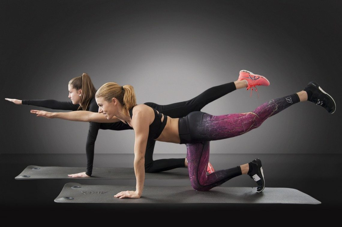 femmes exercice fitness